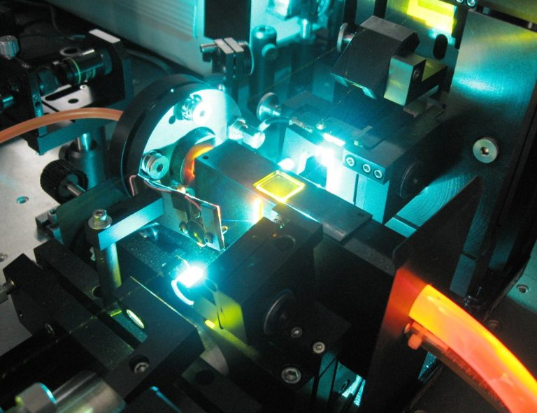 Laser beam shaping device